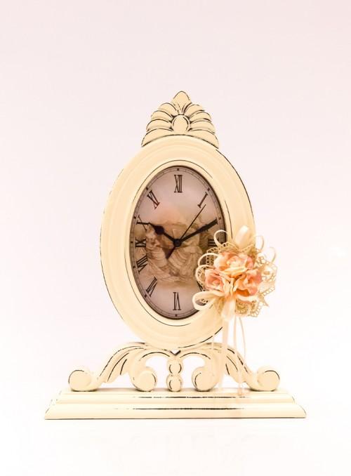 Ceas decorat cu flori