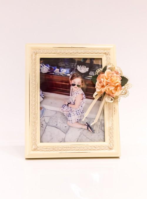 Rama foto decorata cu flori