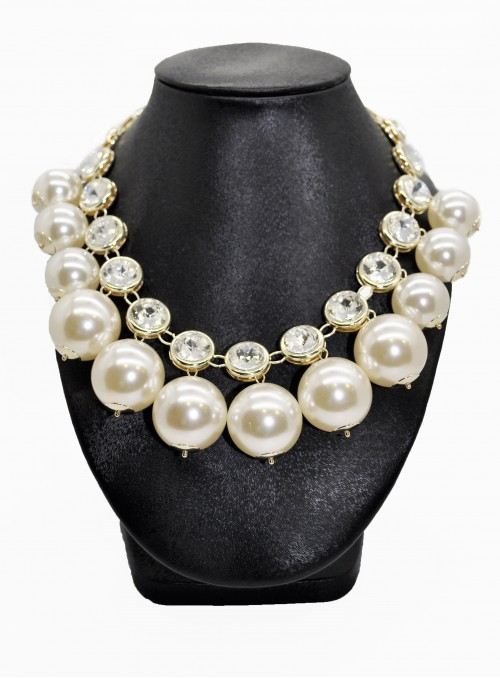 Colier cu perle voluminoase